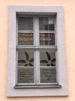 Fenster der Heilpraktikerin Charlottenstrasse Potsdam