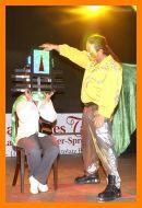 Zauberer und Zauberkünstler mit Zaubershow